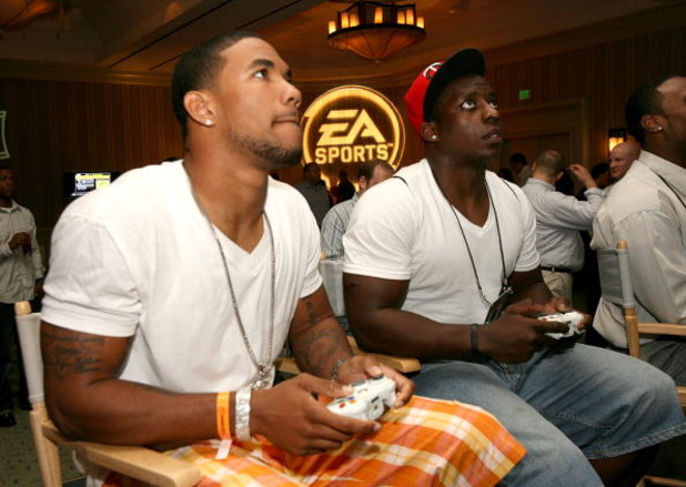 LOS ANGELES, CA - MAY 16: Washington Redskins wide receiver Devin Thomas and Pittsburgh Steelers running back Rashard Mendenhall attend the EA SPORTS Rookie Madden Bowl at the Loews Santa Monica Beach Hotel as part of the NFL PLAYERS Rookie Premiere on Ma