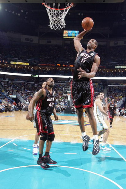 NEW ORLEANS - JANUARY 11:  Mark Blount #15 of the Miami Heat goes for a dunk against the New Orleans Hornets on January 11, 2008 at the New Orleans Arena in New Orleans, Louisiana. The Hornets won 114-88. NOTE TO USER: User expressly acknowledges and agre