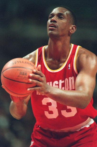 22 Jan 1995: HOUSTON ROCKETS FORWARD OTIS THORPE ATTEMPTS TO SHOOT A FREE THROUGH SHOT DURING THE ROCKETS 100-81 LOSS TO THE CHICAGO BULLS.