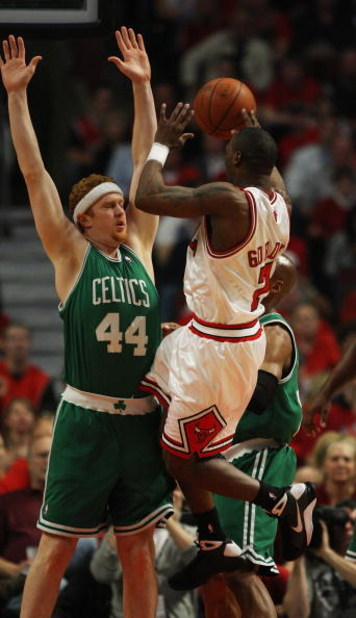 CHICAGO - APRIL 30: Ben Gordon #7 of the Chicago Bulls puts up a shot against Brian Scalabrine #44 of the Boston Celtics in Game Six of the Eastern Conference Quarterfinals during the 2009 NBA Playoffs at the United Center on April 30, 2009 in Chicago, Il