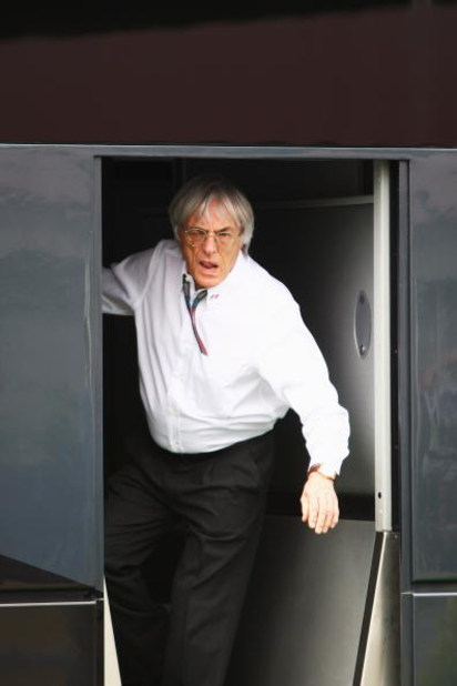 NORTHAMPTON, UNITED KINGDOM - JUNE 21:  F1 supremo Bernie Ecclestone is seen at his motorhome before the British Formula One Grand Prix at Silverstone on June 21, 2009 in Northampton, England.  (Photo by Clive Mason/Getty Images)