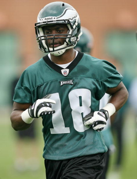 PHILADELPHIA - MAY 1: First round draft pick wide receiver Jeremy Maclin #18 of the Philadelphia Eagles practices during minicamp at the NovaCare Complex on May 1, 2009 in Philadelphia, Pennsylvania. (Photo by Hunter Martin/Getty Images)