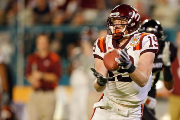MIAMI - JANUARY 01: Danny Coale #19 of the Virginia Tech Hokies makes a catch during the FedEx Orange Bowl against the Cincinnati Bearcats at Dolphin Stadium on January 1, 2009 in Miami, Florida.  (Photo by Streeter Lecka/Getty Images)