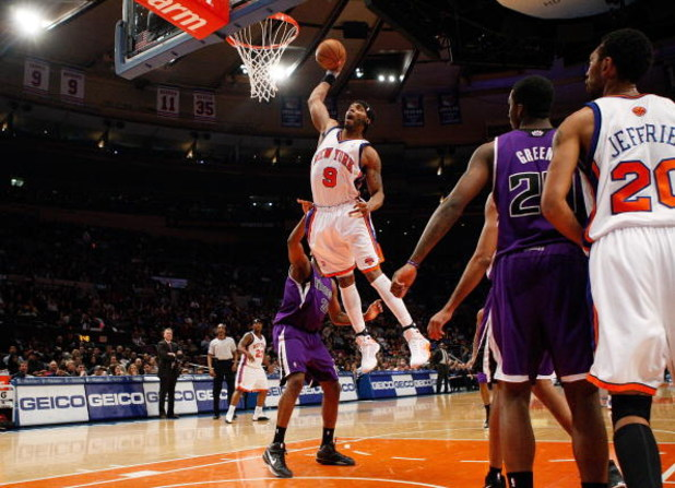 NEW YORK - MARCH 20:  Chris Wilcox #9 of the New York Knicks dunks the ball against the Sacramento Kingson March 20, 2009 at Madison Square Garden in New York City. NOTE TO USER: User expressly acknowledges and agrees that, by downloading and or using thi