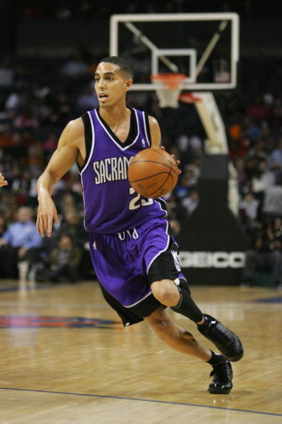 CHARLOTTE, NC - FEBRUARY 22:  Kevin Martin #23 of the Sacramento Kings moves the ball against the Charlotte Bobcats during the game at Bobcats Arena on February 22, 2008 in Charlotte, North Carolina. The Kings won 116-115.  NOTE TO USER: User expressly ac