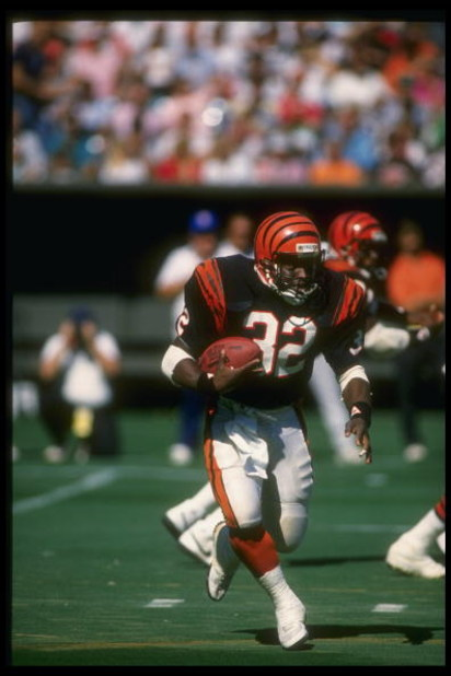 25 Sep 1988: Running back Stanley Wilson of the Cincinnati Bengals moves the ball during a game against the Cleveland Browns at Riverfront Stadium in Cincinnati, Ohio. The Bengals won the game, 24-17.