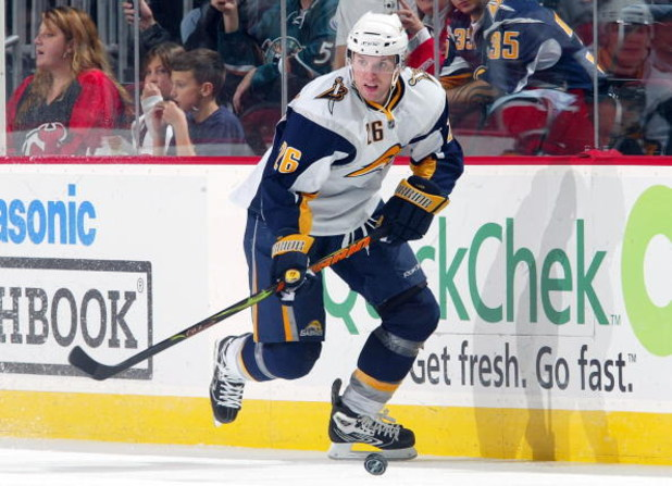 NEWARK, NJ - NOVEMBER 03:  Thomas Vanek #26 of the Buffalo Sabres skates against the New Jersey Devils at the Prudential Center on November 3, 2008 in Newark, New Jersey. The Sabres defeated the Devils 2-0.  (Photo by Jim McIsaac/Getty Images)