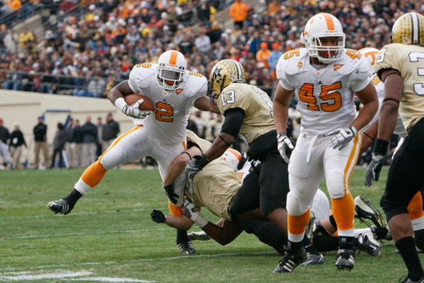 NASHVILLE, TN - NOVEMBER 22:  Montario Hardesty #2 of the Tennessee Volunteers carries the ball during the game against the Vanderbilt Commodores at Vanderbilt Stadium on November 22, 2008 in Nashville, North Carolina.  (Photo by Kevin C. Cox/Getty Images