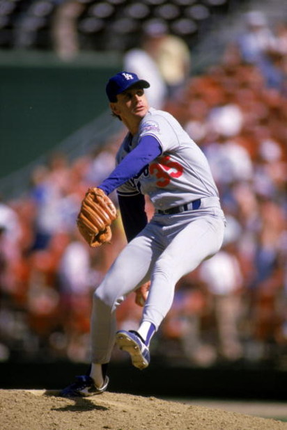 SAN DIEGO -1987:  Bob Welch#35 of the Los Angeles Dodgers winds back to pitch during a 1987 season game against the San Diego Padres at Jack Murphy Stadium in San Diego, California. (Photo by: Stephen Dunn/Getty Images)