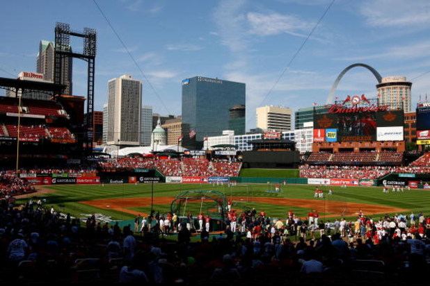 ST LOUIS, MO - JULY 13:  The National League All-Star and the American League All-Star teams take batting practice during the Gatorade All-Star Workout Day at Busch Stadium on July 13, 2009 in St Louis, Missouri.  (Photo by Jamie Squire/Getty Images)