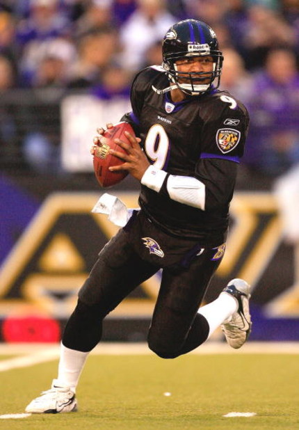 BALTIMORE - DECEMBER 31:  Quarterback Steve McNair #9 of the Baltimore Ravens carries the ball during the first half of the game against the Buffalo Bills on December 31, 2006 at M&T Bank Stadium in Baltimore, Maryland.  (Photo by Jamie Squire/Getty Image