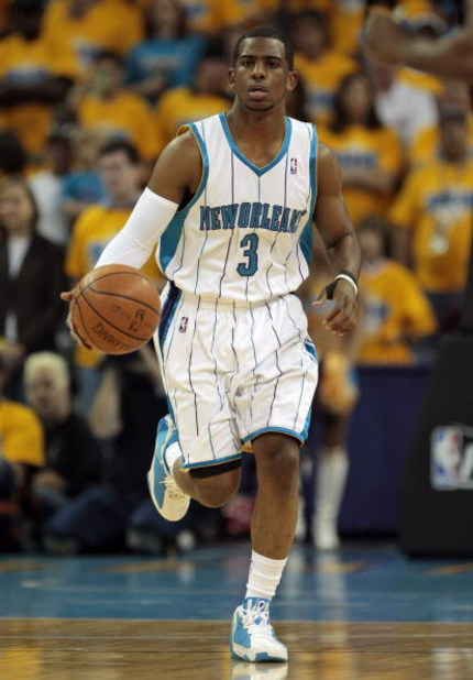 NEW ORLEANS - APRIL 25:  Chris Paul #3 of the New Orleans Hornets drives the ball up court during Game Three of the Western Conference Quarterfinals against the Denver Nuggets during the 2009 NBA Playoffs at New Orleans Arena on April 25, 2009 in New Orle