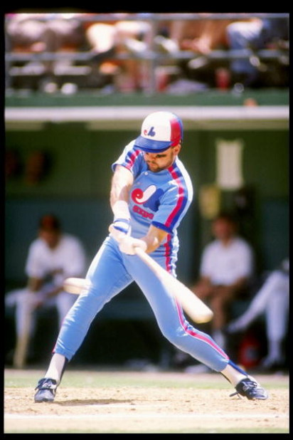 1990:  Shortstop Spike Owen of the Montreal Expos swings at the ball. Mandatory Credit: Stephen Dunn  /Allsport
