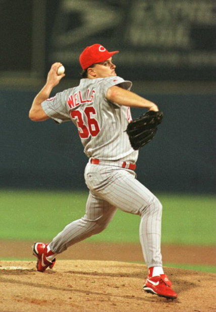 13 OCT 1995:  CINCINNATI PITCHER DAVID WELLS DELIVERS A PITCH DURING THE FIRST INNING OF THE REDS GAME VERSUS THE ATLANTA BRAVES IN GAME THREE OF THE NATIONAL LEAGUE CHAMPIONSHIP SERIES AT FULTON COUNTY STADIUM IN ATLANTA, GEORGIA.  THE BRAVES WON 5-2 TO