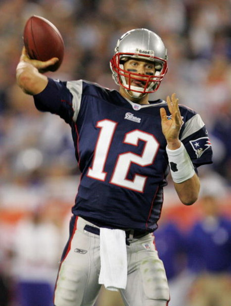 GLENDALE, AZ - FEBRUARY 03:  Tom Brady #12 of of the New England Patriots passes in the fourth quarter of Super Bowl XLII against the New York Giants on February 3, 2008 at the University of Phoenix Stadium in Glendale, Arizona.  (Photo by Streeter Lecka/