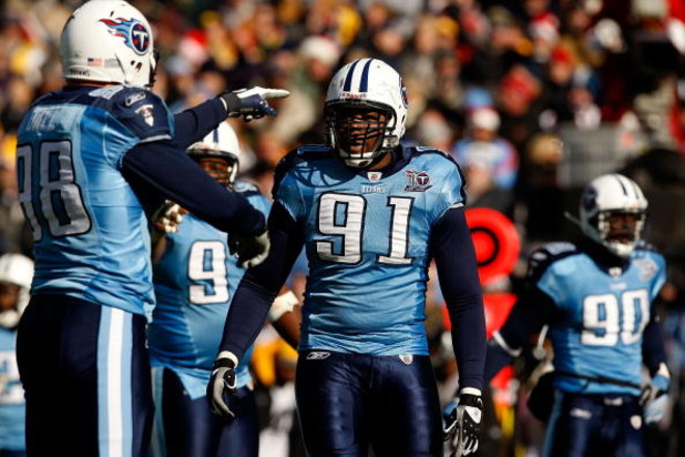 NASHVILLE, TN - DECEMBER 21:  Jason Jones #91 of the Tennessee Titans watches his teammates during their game against the Pittsburgh Steelers on December 21, 2008 at LP Field in Nashville, Tennessee. Jones had 3.5 sacks on the day.  (Photo by Streeter Lec