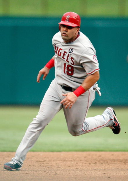 ARLINGTON, TX - JUNE 30:  First baseman Kendry Morales #19 of the Los Angeles Angels of Anaheim on June 30, 2009 at Rangers Ballpark in Arlington, Texas.  (Photo by Ronald Martinez/Getty Images)