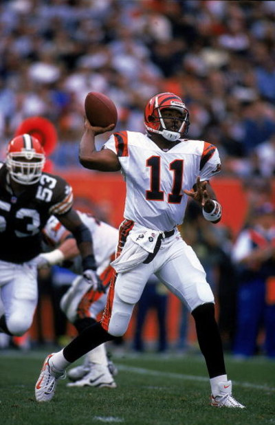 10 Oct 1999: Akili Smith #11 of the Cincinnati Bengals gets ready to pass the ball during the game against the Cleveland Browns at the Cleveland Stadium in Cleveland, Ohio. The Bengals defeated the Browns 18-17. Mandatory Credit: Al Bello  /Allsport