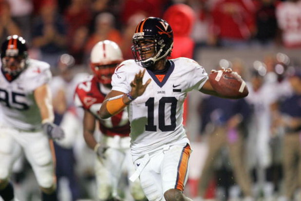 RALEIGH, NC - OCTOBER 27: Jameel Sewell #10 of the Virginia Cavaliers looks to pass the ball during the game against the North Carolina State Wolfpack during their game at Carter-Finley Stadium October 27, 2007 in Raleigh, North Carolina. (Photo by Street