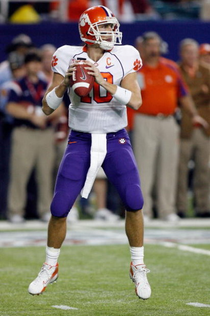 ATLANTA - DECEMBER 31:  Cullen Harper #10 of the Clemson University Tigers looks to pass during the Chick-Fil-A Bowl on December 31, 2007 at the Georgia Dome in Atlanta, Georgia.  (Photo by Chris Graythen/Getty Images)