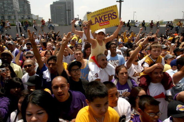 LOS ANGELES - JUNE 17: Laker fans wait for the start of the Los Angeles Lakers NBA championship victory parade outside the Staples Center on June 17, 2009 in Los Angeles, California.  (Photo by Stephen Dunn/Getty Images)