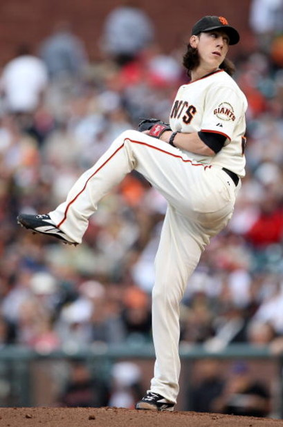SAN FRANCISCO - AUGUST 01:  Tim Lincecum #55 of the San Francisco Giants pitches against the Philadelphia Phillies during a Major League Baseball game at AT&T Park on August 1, 2009 in San Francisco, California.  (Photo by Jed Jacobsohn/Getty Images)