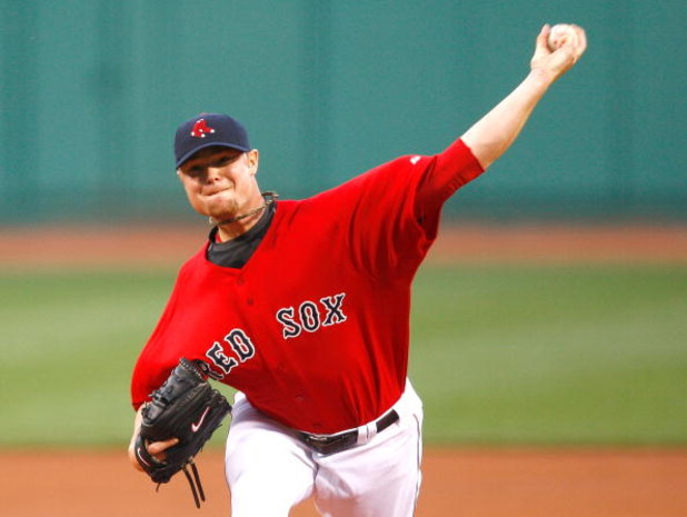 BOSTON - APRIL 24: Jon Lester #31of the Boston Red Sox throws against the New York Yankees at Fenway Park, April 24, 2009, in Boston, Massachusetts. (Photo by Jim Rogash/Getty Images)