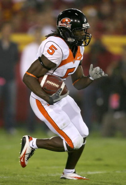 LOS ANGELES, CA - NOVEMBER 03:  Gerard Lawson #5 of the Oregon State Beavers runs with the football during the college football game against the USC Trojans at the Los Angeles Memorial Coliseum on November 3, 2007 in Los Angeles, California. USC defeated