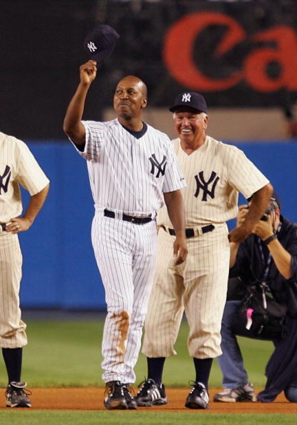 NEW YORK - SEPTEMBER 21: Former New York Yankee  Willie Randolph waves to the crowd during pregame ceremonies prior to the start of the last regular season game at Yankee Stadium between the Baltimore Orioles and the New York Yankees on September 21, 2008