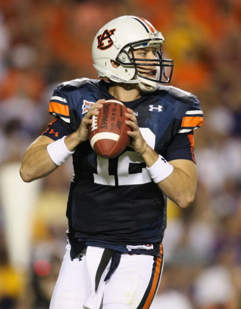 AUBURN, AL - SEPTEMBER 20:  Quarterback Chris Todd #12 of the Auburn Tigers drops back to throw a pass while taking on the LSU Tigers at Jordan-Hare Stadium on September 20, 2008 in Auburn, Alabama. LSU defeated Auburn 26-21.  (Photo by Doug Benc/Getty Im