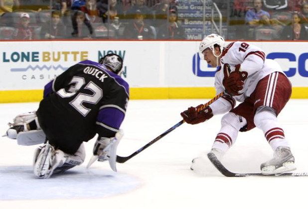 GLENDALE, AZ - APRIL 02:  Shane Doan #19 of the Phoenix Coyotes shoots the puck on goaltender Jonathan Quick #32 of the Los Angeles Kings during the NHL game at Jobing.com Arena on April 2, 2009 in Glendale, Arizona. The Coyotes defeated the Kings 2-1.  (