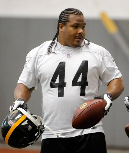 PITTSBURGH - MAY 01:  Frank Summers #44 of the Pittsburgh Steelers looks on during rookie training camp at the Pittsburgh Steelers Practice Facility on May 1, 2009 in Pittsburgh, Pennsylvania.  (Photo by Joe Sargent/Getty Images)