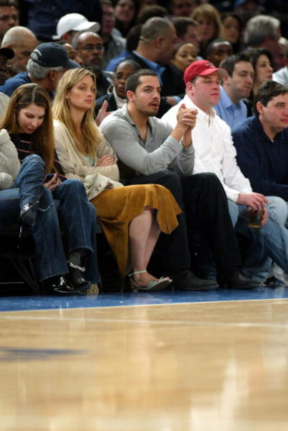 NEW YORK - APRIL 7:  David Blaine sits courtside at the New York Knicks versus Chicago Bulls NBA game at Madison Square Garden on April 7, 2004 in New York City. NOTE TO USER: User expressly acknowledges and agrees that, by downloading and or using this p