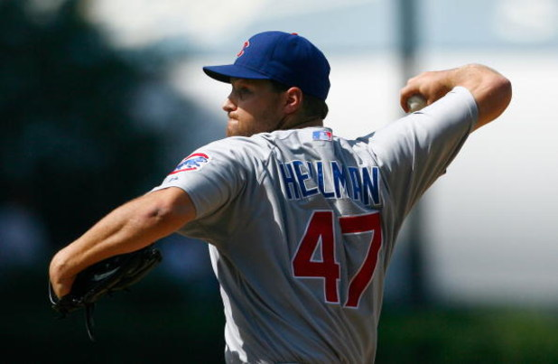 LOS ANGELES, CA - AUGUST 22:  Aaron Heilman #47 of the Chicago Cubs pitches against the Los Angeles Dodgers at Dodger Stadium on August 22, 2009 in Los Angeles, California.  (Photo by Jeff Gross/Getty Images)