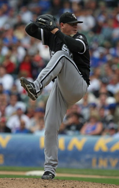 CHICAGO - JUNE 17: Bobby Jenks #45 of the Chicago White Sox pitches in the ninth inning against the Chicago Cubs on his way to a save on June 17, 2009 at Wrigley Field in Chicago, Illinois. The White Sox defeated the Cubs 4-1. (Photo by Jonathan Daniel/Ge