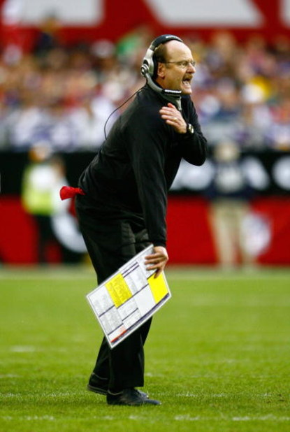 GLENDALE, AZ - DECEMBER 14:  Head Coach Brad Childress of the Minnesota Vikings yells while on the playing field during their NFL game against the Arizona Cardinals at the University of Phoenix Stadium on December 14, 2008 in Glendale, Arizona. The Viking