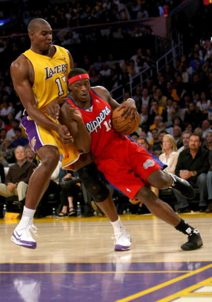 LOS ANGELES, CA - NOVEMBER 05:  Al Thornton #12 of the Los Angeles Clippers drives against Andrew Bynun #17 of the Los Angeles Lakers on November 5, 2008 at Staples Center in Los Angeles, California.  The Lakers won 106-88.  NOTE TO USER: User expressly a